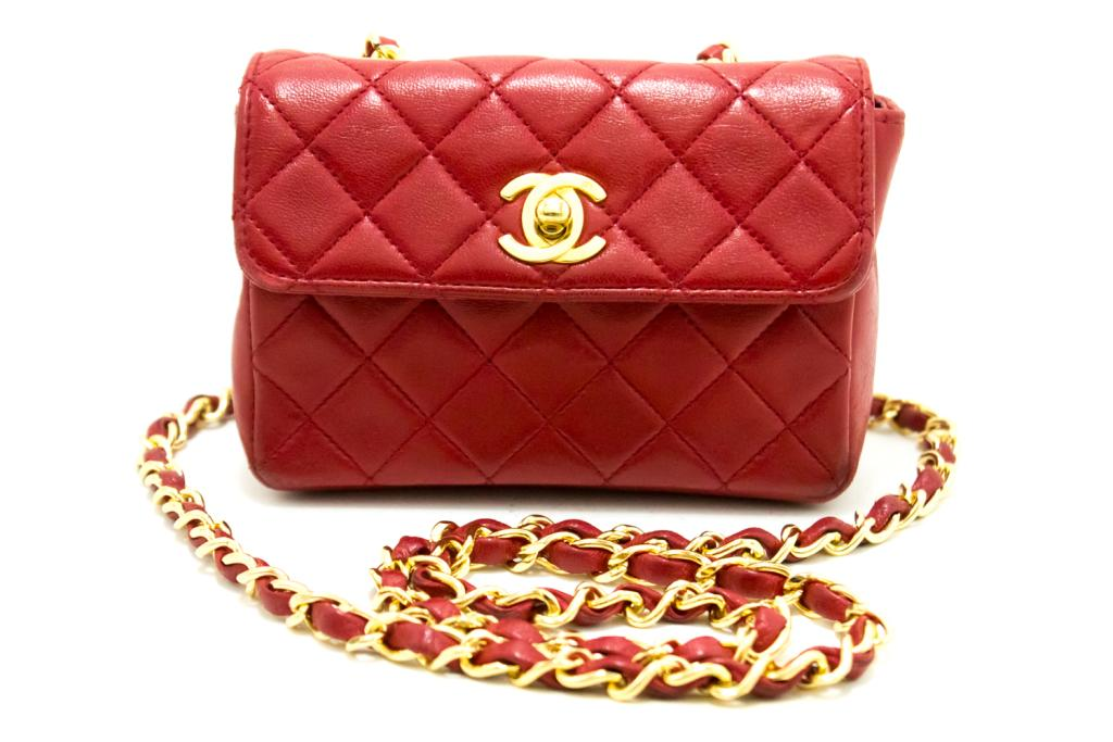 bc1704f0ae3ed0 Please let us explain about our authentic CHANEL bags. It is said that CHANEL  bags used in Japan are in better condition than the ones in other countries.